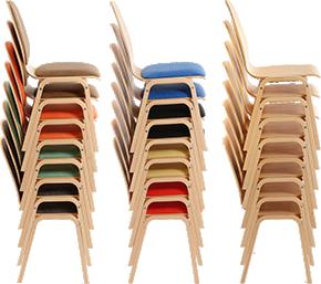 Große Anzahl Stühle für Events, Konferenzen und Veranstaltungen