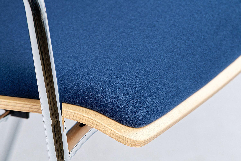 Die Sitzpolster sind belastbar und sehen auch bei intensiver Nutzung bleibend gut aus