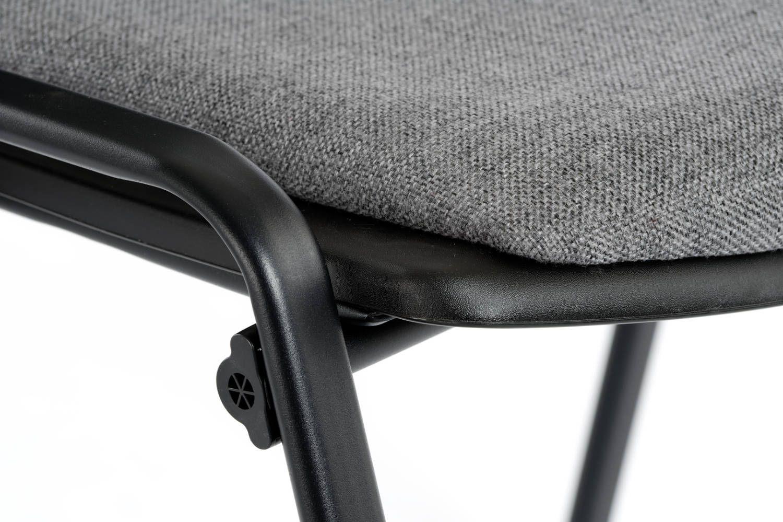 Stabile Verarbeitung zwischen Gestell und Sitzpolster