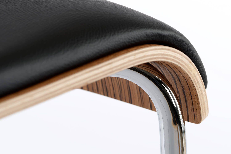 Das Schichtholz der Sitzfläche ist hochwertig verarbeitet