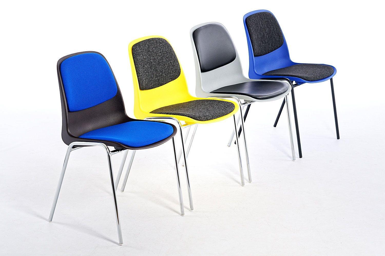 Mit Sitz und Rückenpolster auch für längere Veranstaltungen  und Vorführungen bestens geeignet