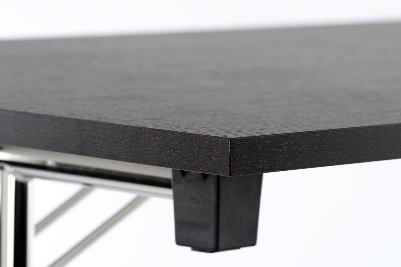 Auch in Schwarz sind unsere Tische ein Hingucker