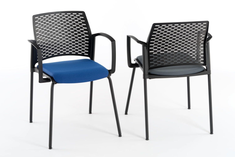 Der gepolsterte Armlehnenstuhl mit Kunststoffrückenlehne Paris AL SP