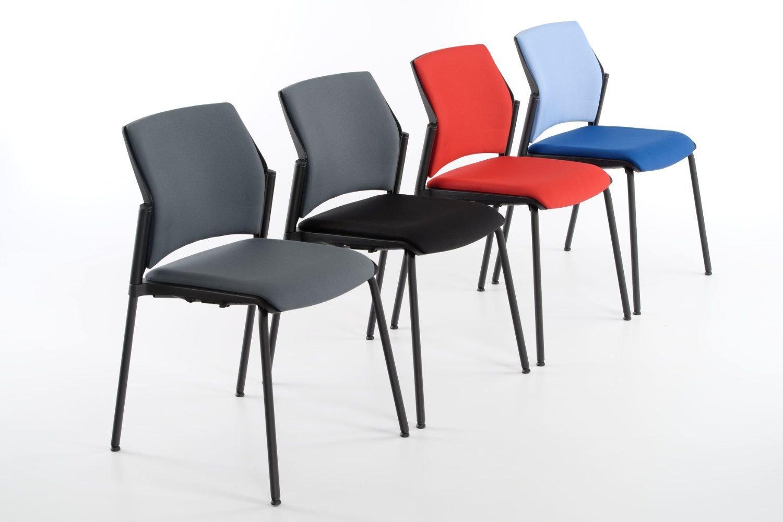 Die Polsterung der Sitzfläche und Rückenlehne kann ausgewählt werden