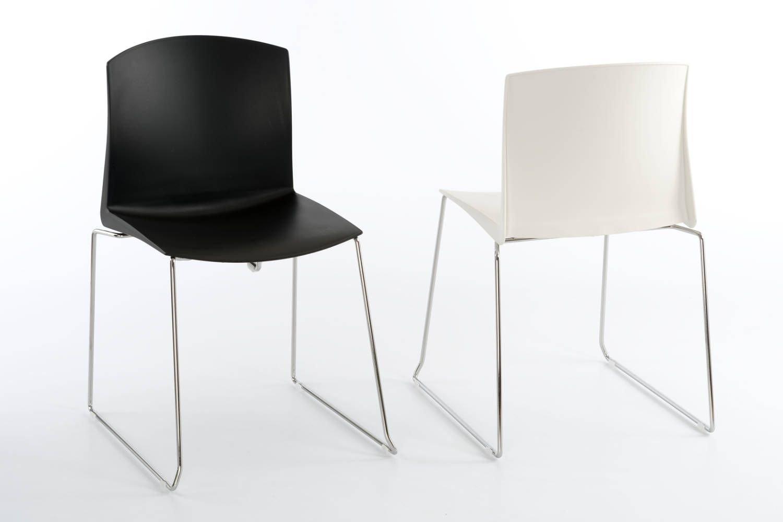 Unser Kufenstuhl Tokio KU mit pflegeleichter Kunststoffsitzschale