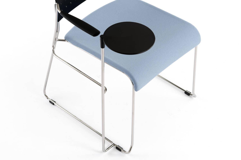 Die kleinen Tischplatte des Turin SP ST kann verstellt werden