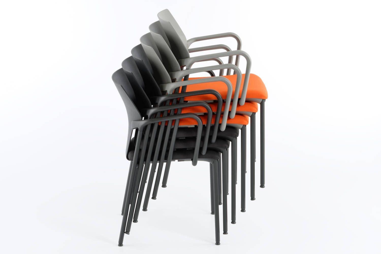 Unser stapelbarer Armlehnstuhl mit Sitzpolster Vegas AL SP